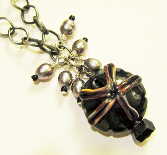 Lampwork glass bead by Beads and Botanicals