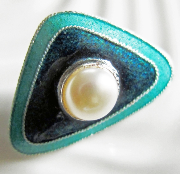 hand-crafted enamel button by Gita Maria, set with a pearl