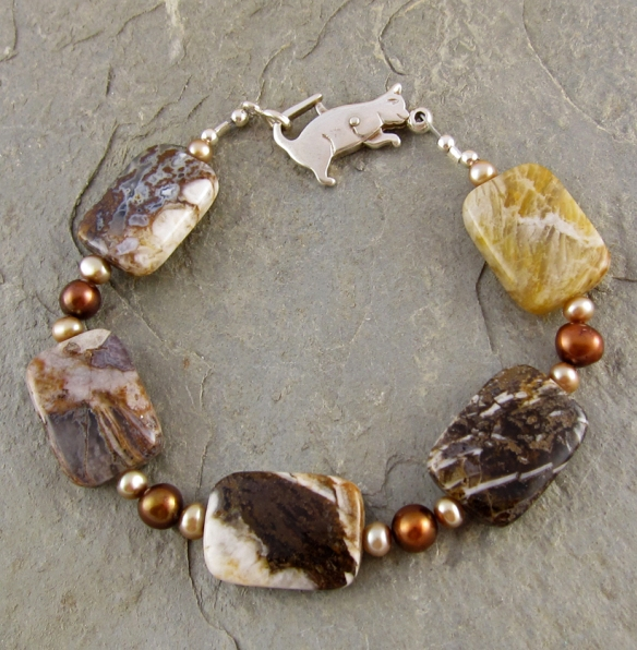 Handmade bracelet of brioche agates, pearls and sterling silver