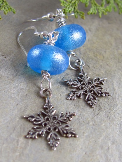 handmade snowflake earrings by Linda Landig