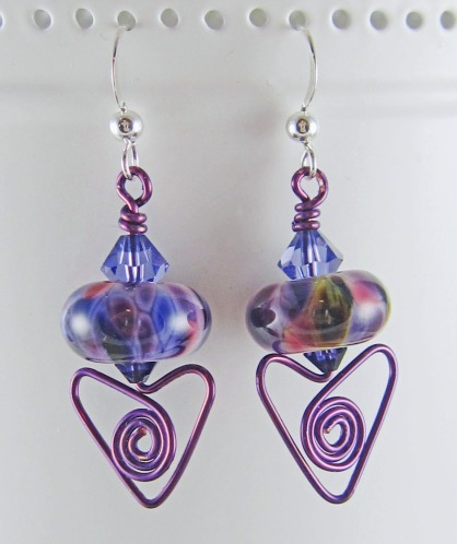 Handmade wirework earrings by Linda Landig