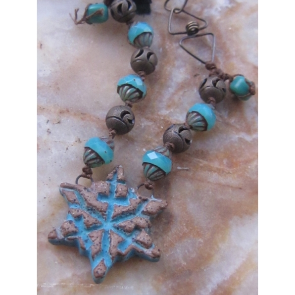 blue snowflake necklace 1