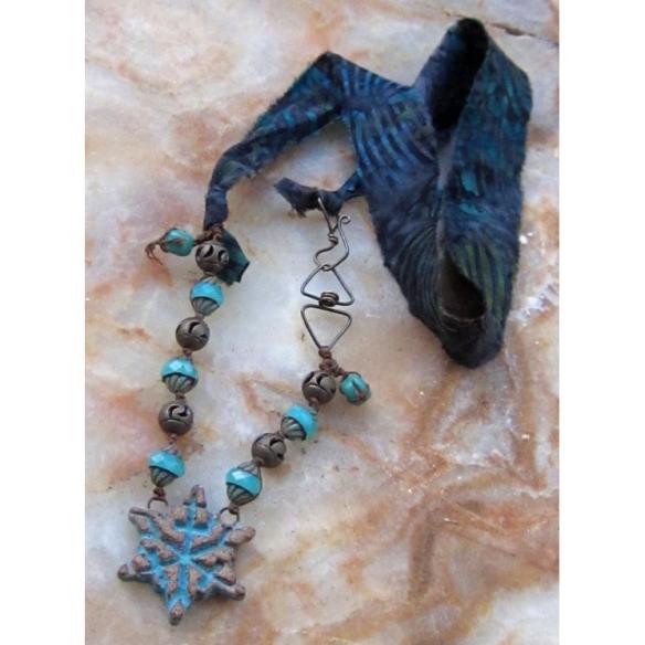 blue snowflake necklace 2