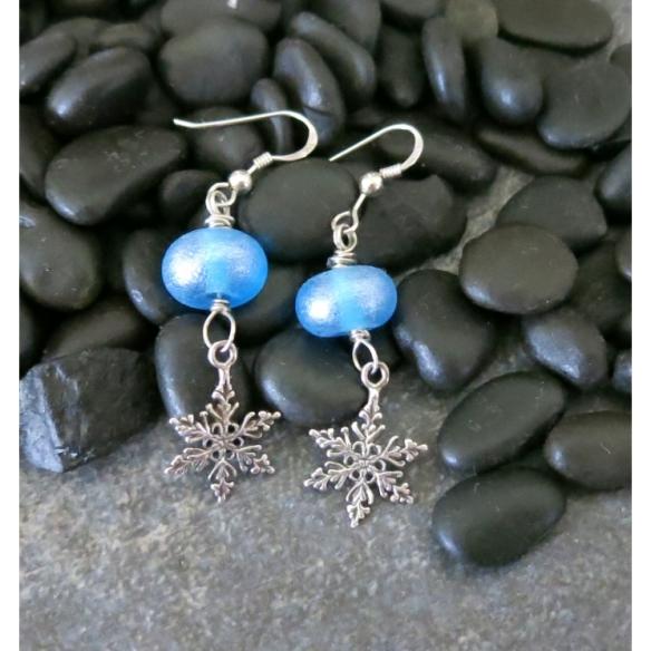 tranquil_snowflake_earrings_2_0